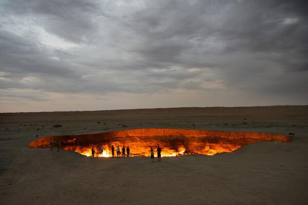 Door to Hell, Darvaza Gas Crater, Turkmenistan